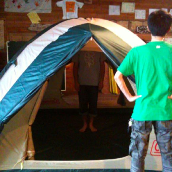 1417266cbcd8404440d73a8083eae2432 野尻学荘に新しいテントが!ランプも新しくなったよ。