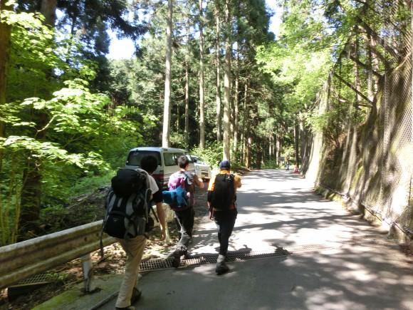 025 580x435 - ちぃと仲間達のドタバタ山行き道中記【1歩目】