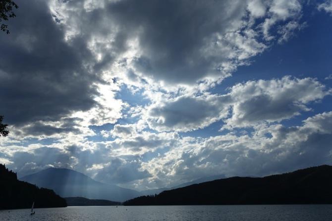 午後も快晴が続きカッターや水泳をしていました|第79回野尻学荘10日目