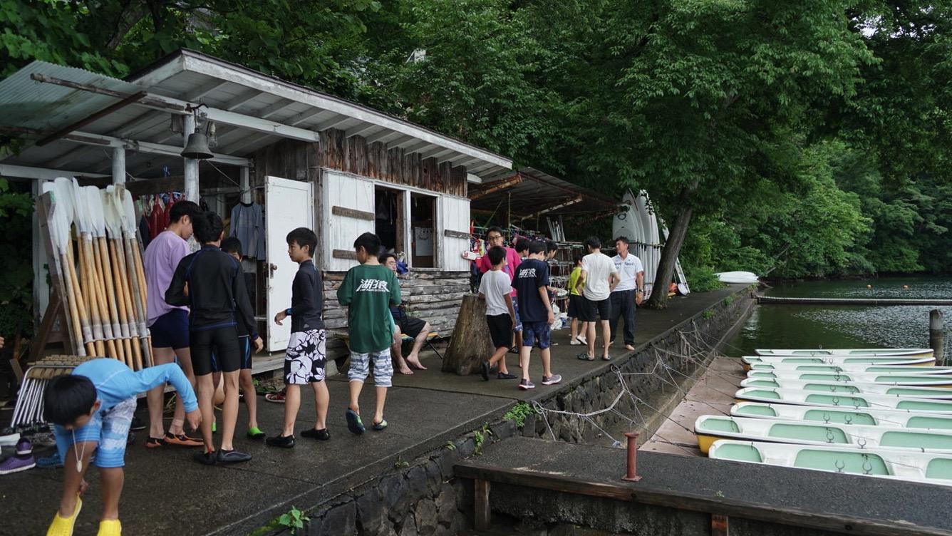 野尻湖は雨。実修の時間だけは雨がやみました|第82回野尻学荘10日目